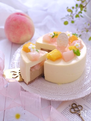 桃とほうじ茶のムースケーキ