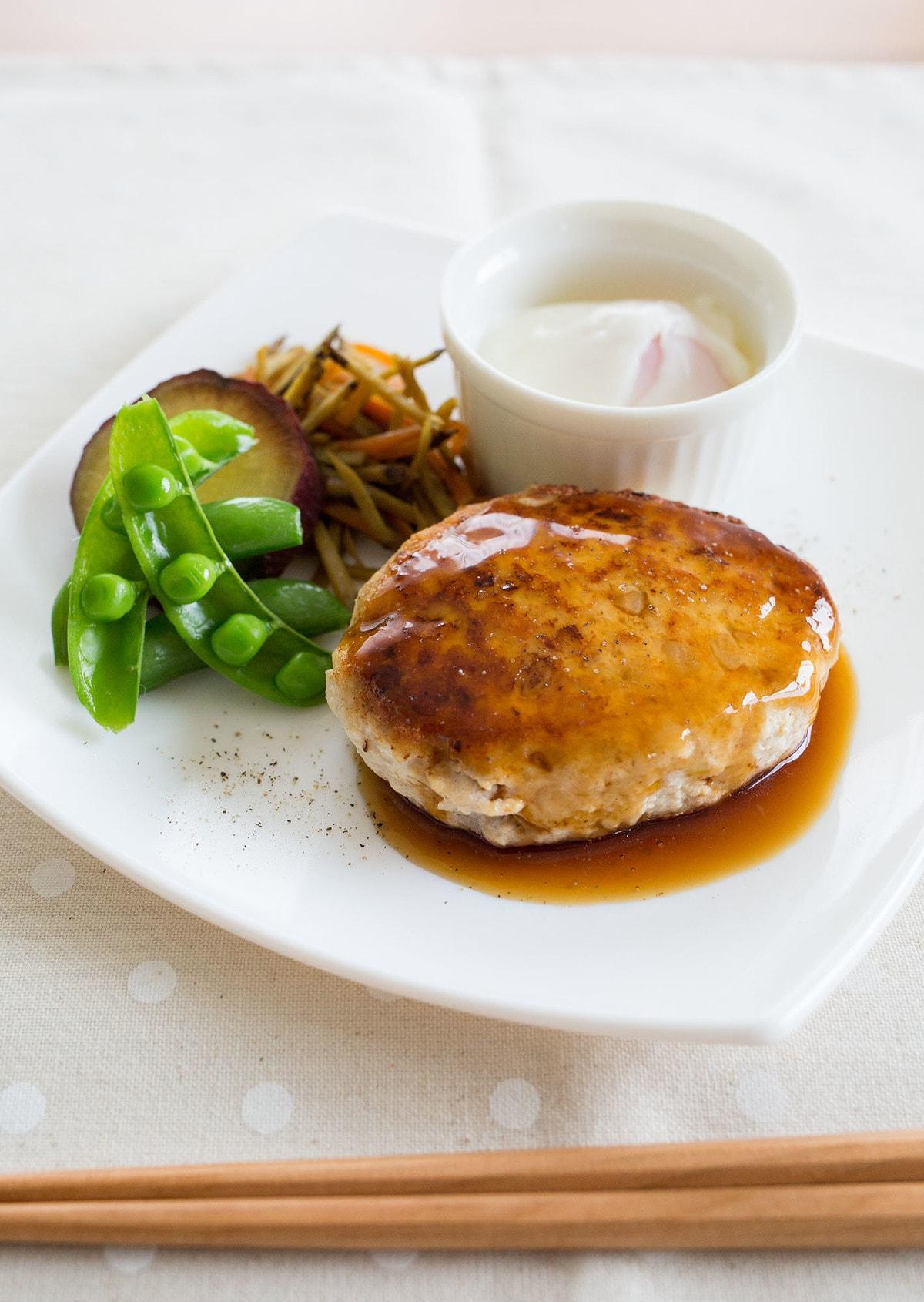 ハンバーグ 鶏肉 豆腐