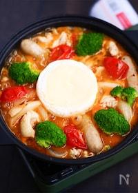 『鶏とフレッシュトマトのカマンベールフォンデュ鍋』