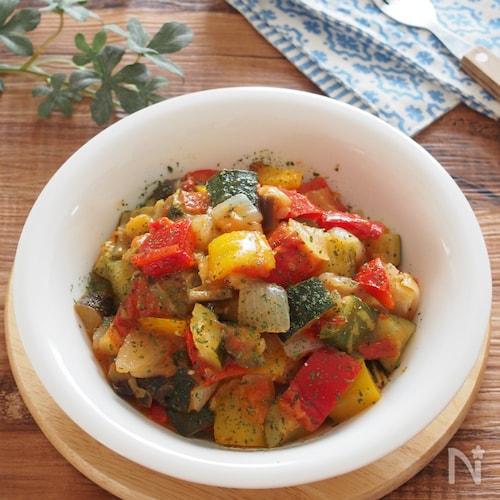 フライパンひとつ。野菜・塩・オイルだけで作るラタトゥイユ