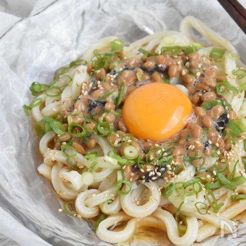 納豆と梅肉の釜玉うどん
