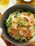 玉ねぎたっぷり♪酸味と旨味のオイスター豚丼