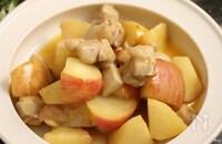 林檎のハニーマスタードソテー