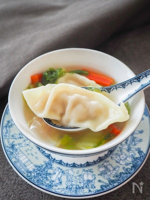 豆腐と気づかれなかった!豆腐入り餃子と野菜のスープ