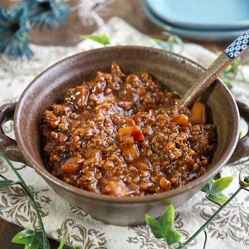 作り置きにも便利な『ピリ辛肉味噌』で~ジャージャー麺と丼♪
