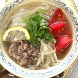 優しいスープがしみる ベトナム風牛肉麺
