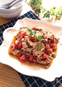 『主菜になる♡バジル香る豚ロースとトマトと新玉ねぎのサラダ』