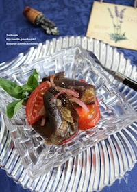 『レンジ蒸し茄子とトマトのバルサミコ酢和え』