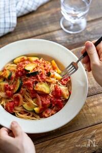 ズッキーニとツナのトマトスパゲッティ。トマト缶なし!