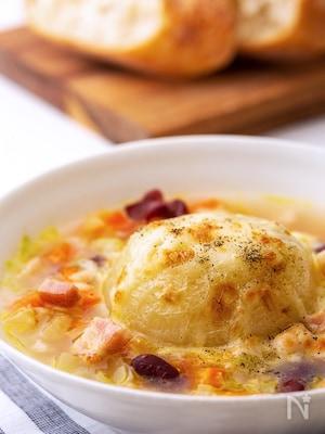 チーズがとろ~り☆丸ごと玉ねぎの具沢山スープ