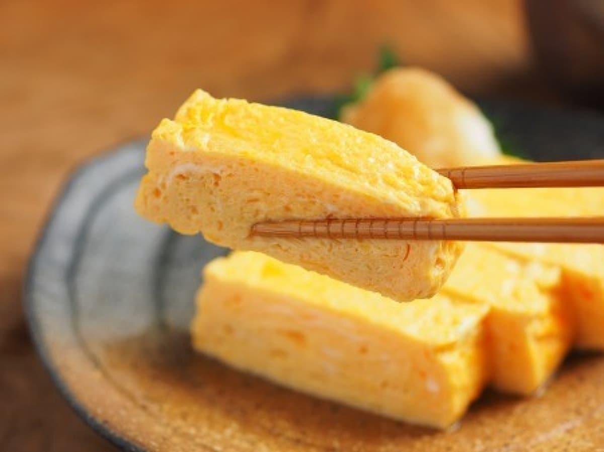 【動画あり】だし巻き卵の作り方、銅製たまご焼きフライパンの油ならし by 筋肉料理人 藤吉和男