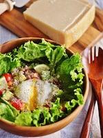 パルミジャーノレッジャーノとアボカドトマトの雑穀ライスサラダ