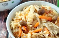 食卓で楽しむ秋♪バター香る♡きのことツナの炊き込みご飯
