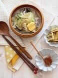 燻製バターのっけ。豚キャベツのゴマ味噌スープ。