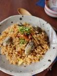 フライパンで!牡蠣とキムチのピリ辛混ぜご飯