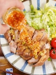 ~おうち飲みに~野菜と食べるパリパリ皮のピリ辛油淋鶏
