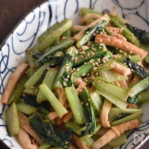 後をひく美味しさ!小松菜とちくわの♪めんつゆポン酢炒め