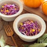 紫キャベツのコールスローサラダ。ハロウィンパーティーの前菜!