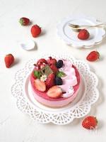 マシュマロで簡単!苺ムースケーキ