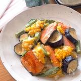 彩り鮮やか♡ふわふわ卵と鮭となすとオクラのめんつゆマヨソテー
