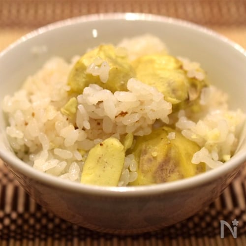 ほっくり黄色い新栗ゴロゴロ栗ご飯