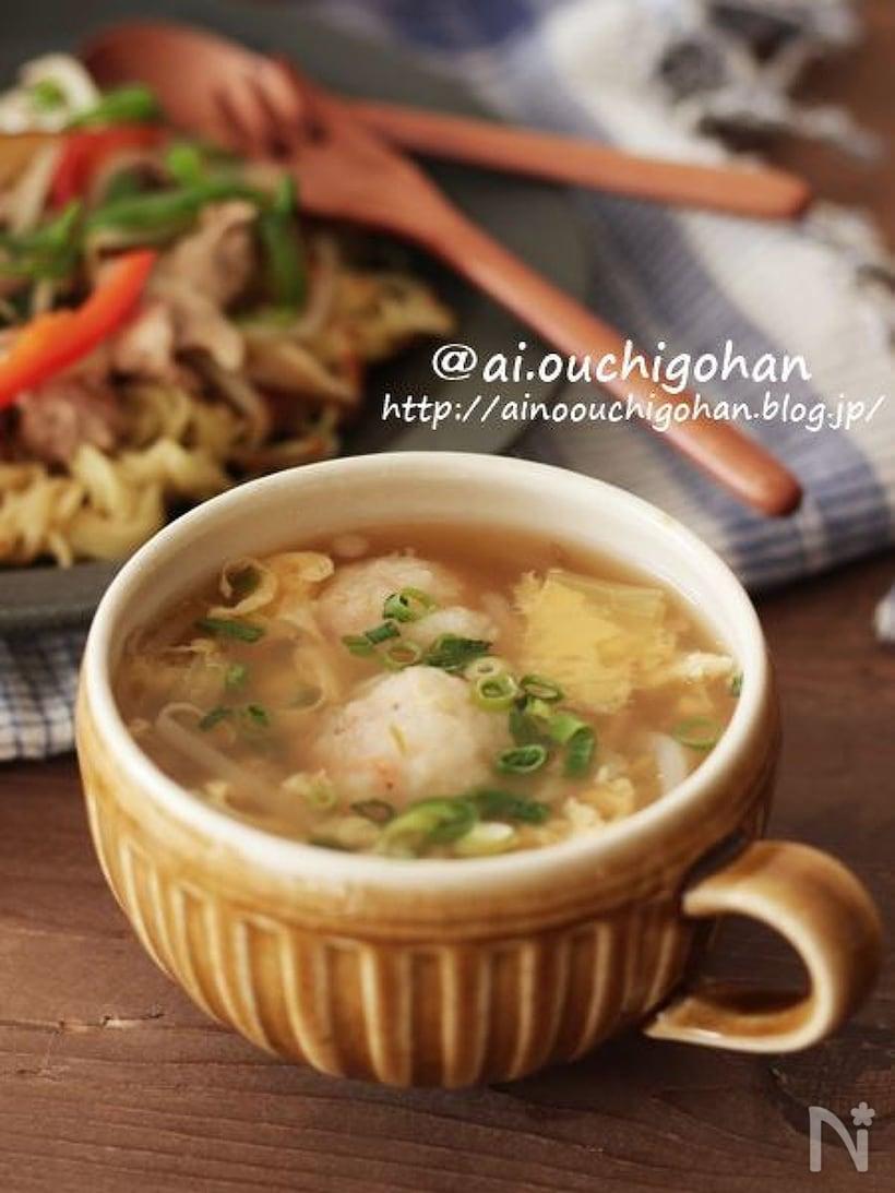 えび団子、卵、もやしのスープ