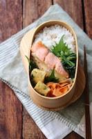 【15分弁当】鮭のマヨチーズ焼き弁当。