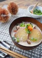 おかずスープ♪さつまいもときのこの豆乳ごま味噌スープ