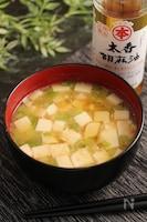 ニラと豆腐のお味噌汁 ごま風味