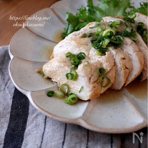 鶏胸肉がしっとり柔らか!蒸し鶏のポン酢しょうが醤油