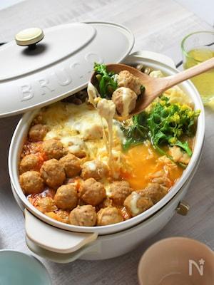 冷凍チキンボールで簡単!キムチーズ鍋