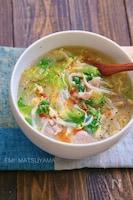 とろみが美味しい!もやしとレタスと豚肉の旨塩たまごスープ