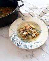 手羽端と冷蔵庫の野菜で作る優しい味のチキンスープ