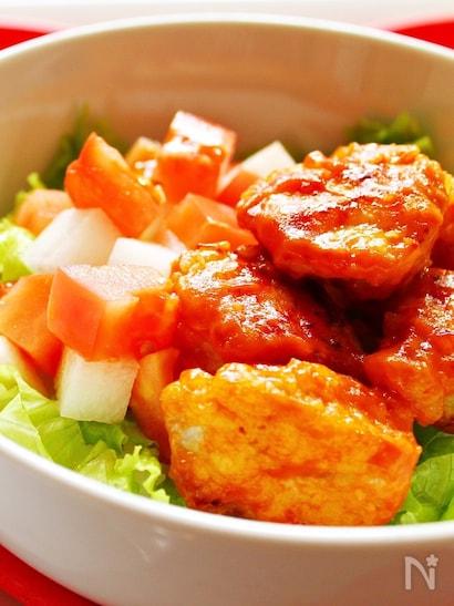 1. 鶏肉のから揚げ オーロラソース丼