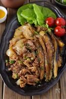 【黒酢でさっぱり】豚こま肉と茄子玉ねぎのご飯が進む生姜焼き