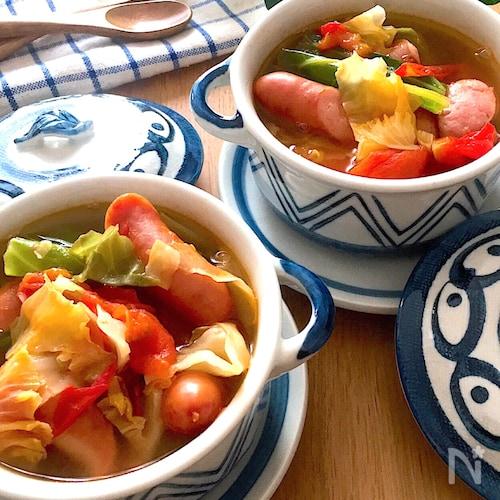具をいれるだけ♡ソーセージとキャベツのコンソメトマトスープ