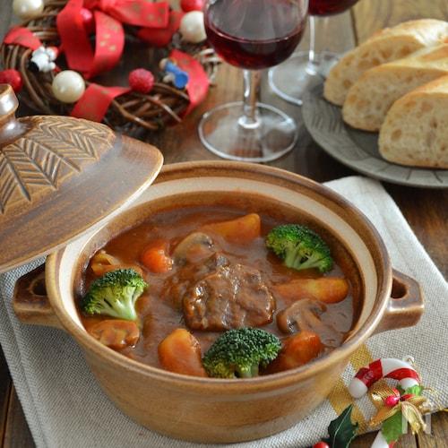 絶品!牛スネ肉のビーフシチュー。野菜もたっぷり。クリスマスに