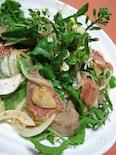 ◆レバーとベーコンのホットサラダ◆ 新タマネギとルッコラ