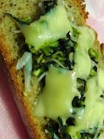 小松菜とじゃこ、チーズのタルティーヌ