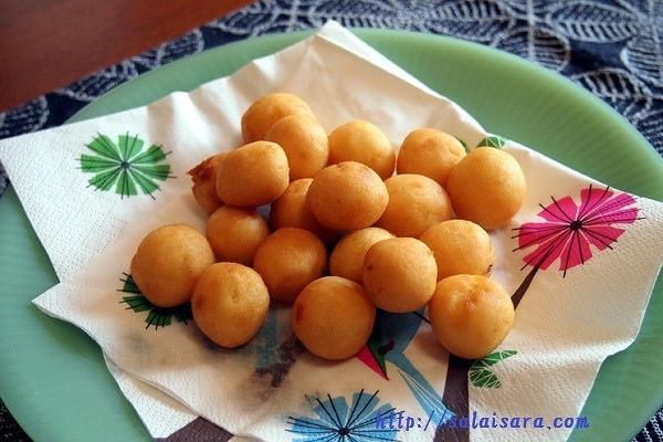 カノム・カイ・ノッククラター(うずらの卵形のもちもちドーナツ by salaisara