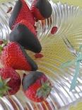 初めてのローチョコレートがけ苺