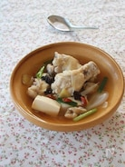 元気をとり戻す鶏の薬膳スープ