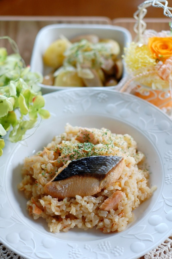 5. 鮭の洋風炊き込みごはん