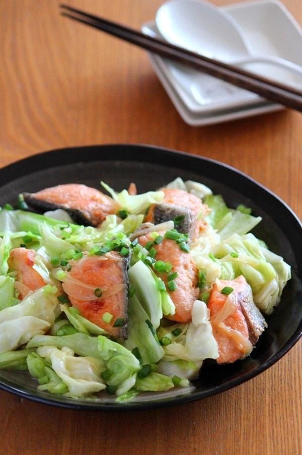 鮭のちゃんちゃん焼き風味噌炒め