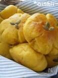 お花の形のかぼちゃパン