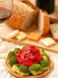 ビーツとお芋さんのワイン色サラダ