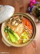 牡蠣とたっぷり野菜の土手鍋風