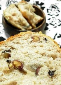 『黒豆食パン』