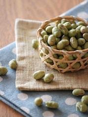 レンジで炒り豆。
