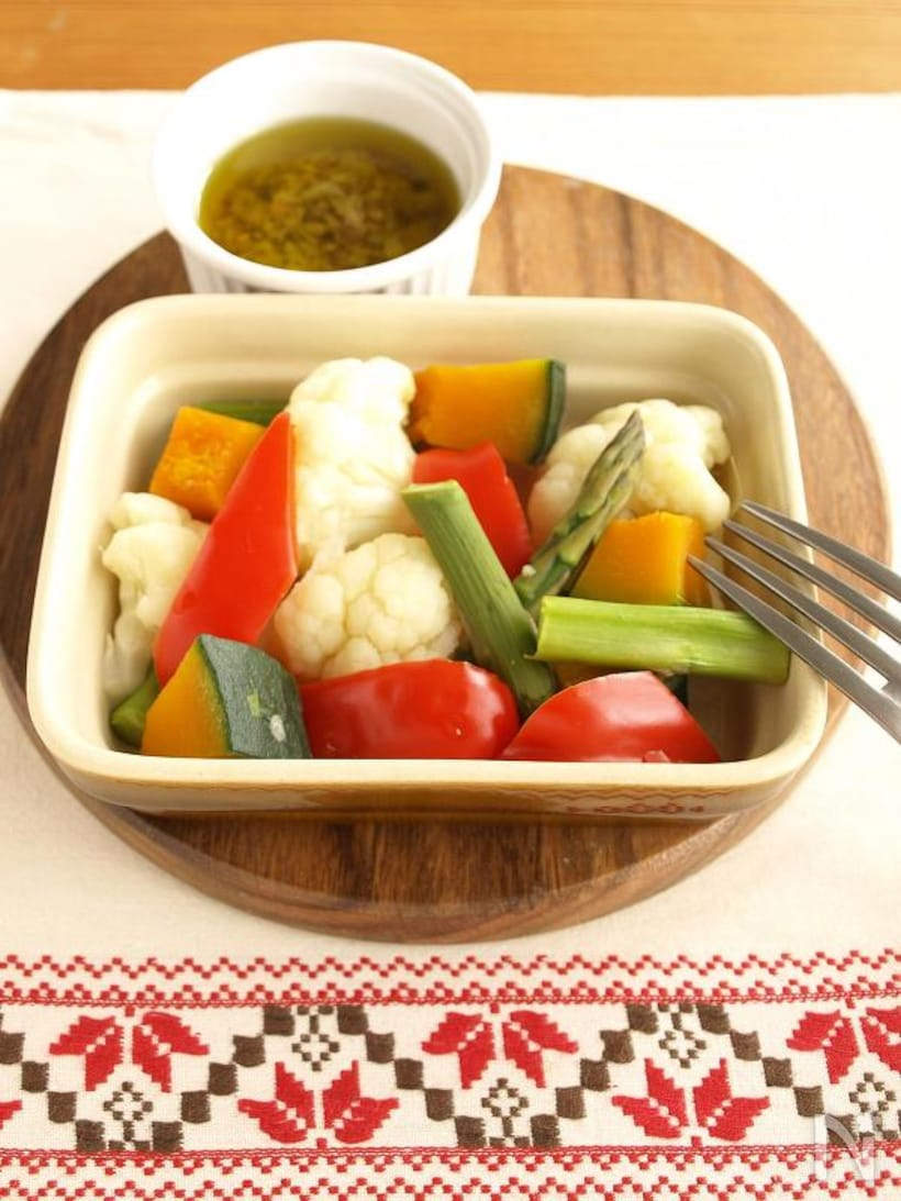 レンジで簡単!ヘルシーな蒸し野菜レシピ8選